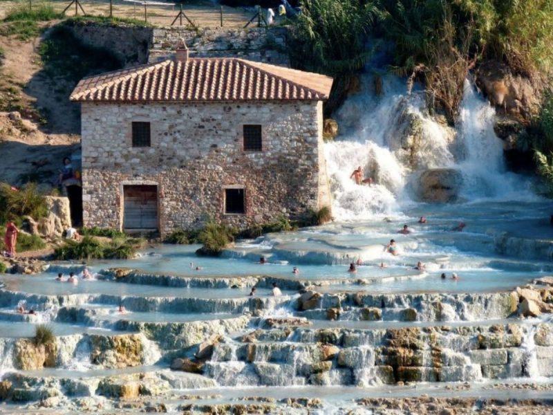 Cascate-del-mulino agriturismo toscana